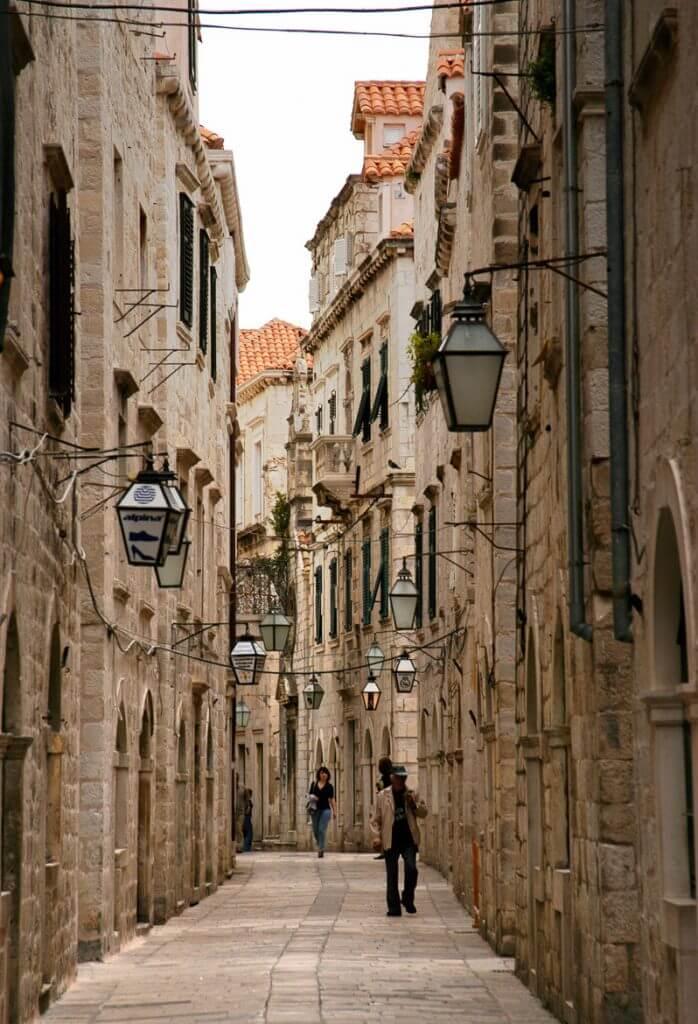 улица в Дубровнике Черногория