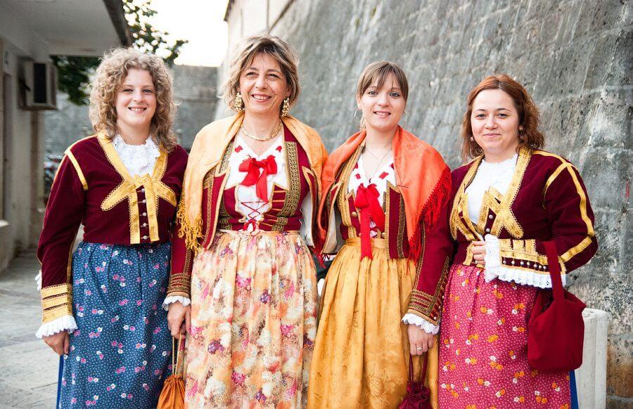 женская национальная одежда в Черногории