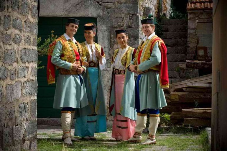 Население Черногории