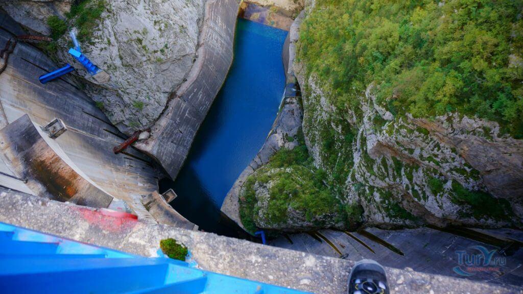 плотина Пивской ГЭС