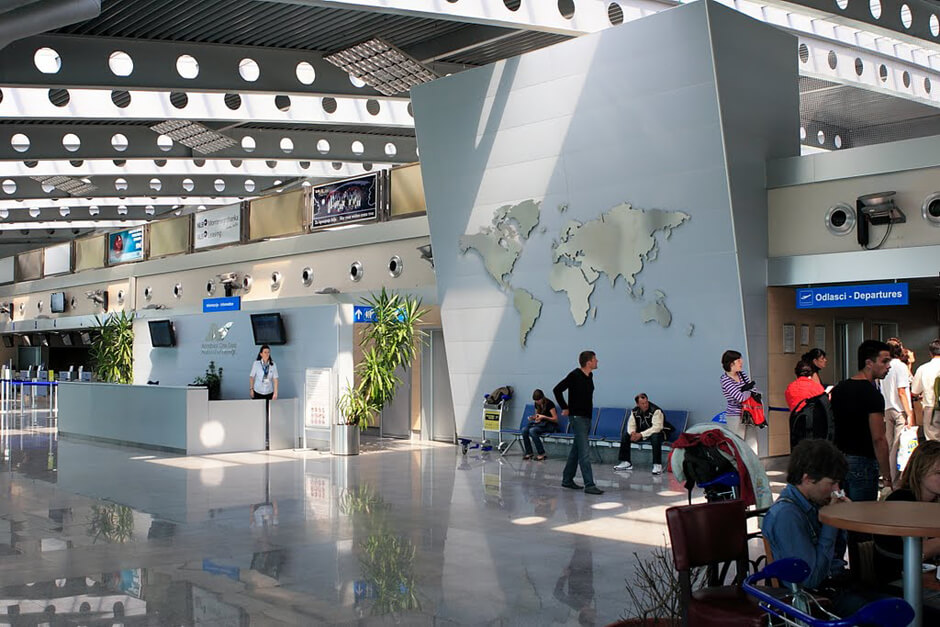 Подгорица аэропорт внутри