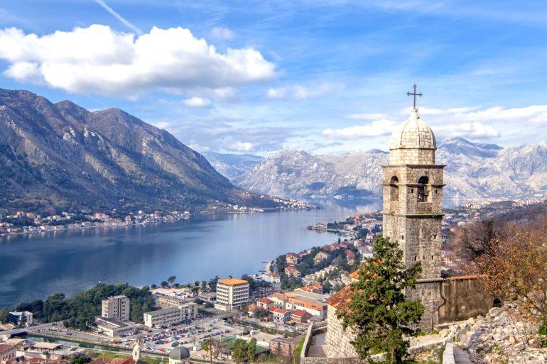 Граждане Грузии смогут посещать Черногорию без виз