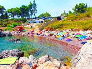 Красный пляж в Черногории
