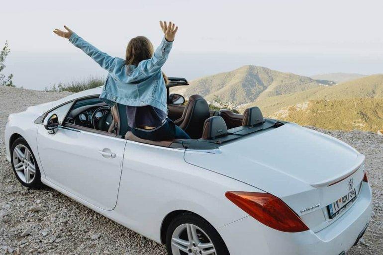 Google не врет: 101 положительный отзыв об аренде авто в «Сел и Поехал» (средняя оценка 4,9)!