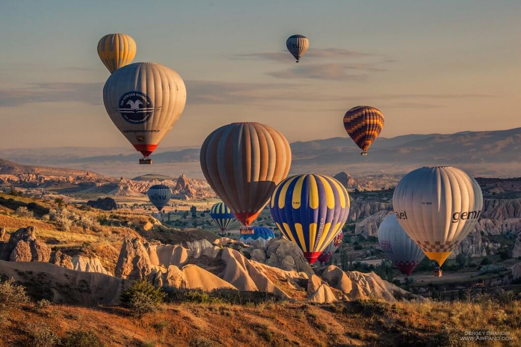 Каппадокия горы воздушные шары