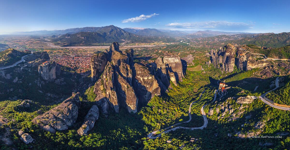 Монастыри Метеоры и горы