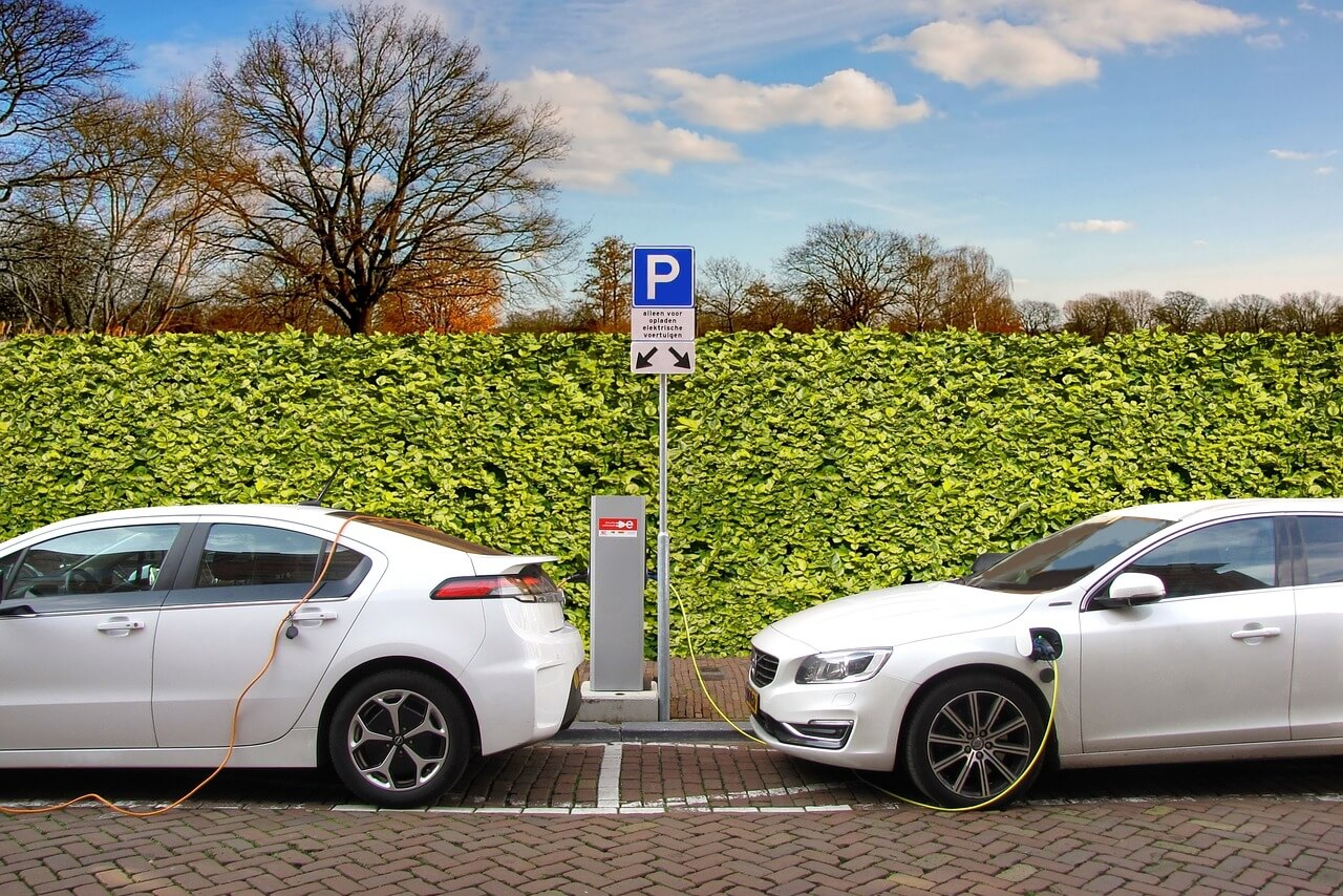 electric-car-2783573_1280