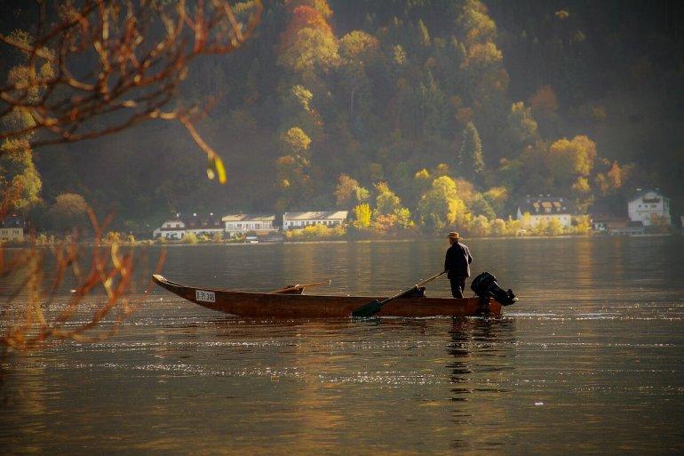 fisherman-2880499_1280