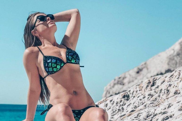 девушки в купальниках Черногория
