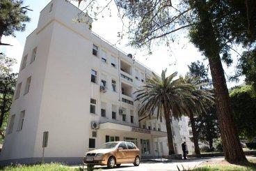 Больница в Которе