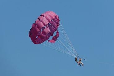 parachute-824476_1280