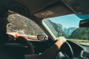 Сколько стоит аренда авто в Черногории: 5 причин выбрать местную компанию, а не международную