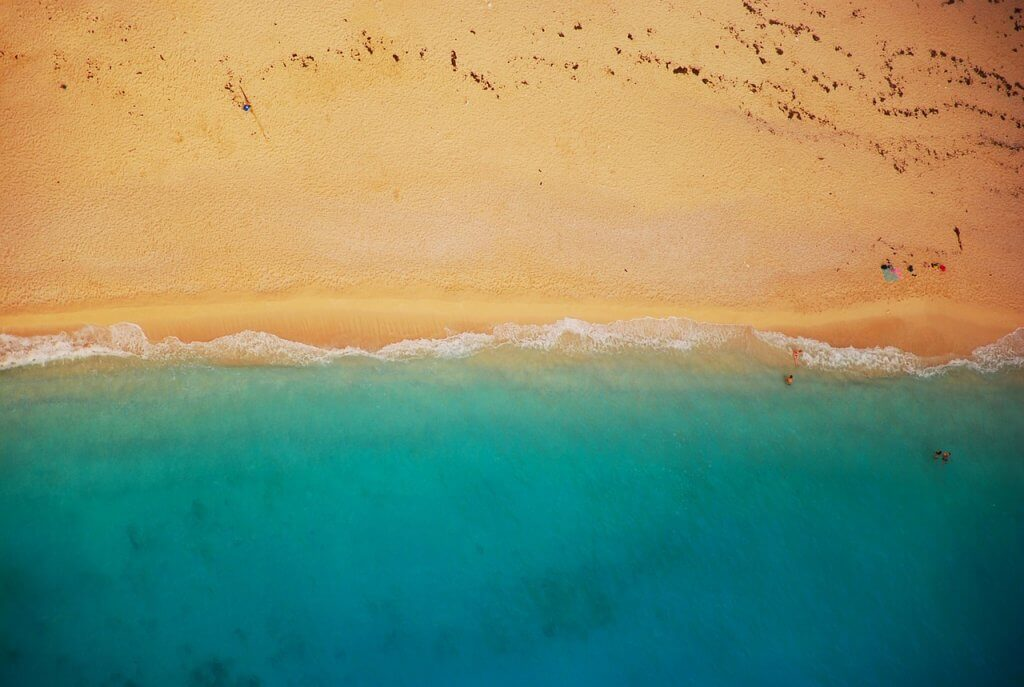 Море и пляжи Черногории