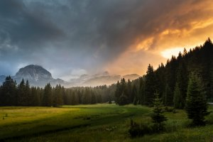 Где сделать самые красивые фото в Черногории: города, смотровые площадки на природе и, конечно, дороги!