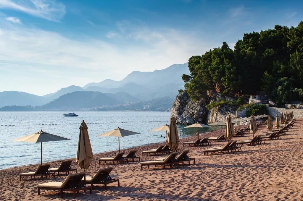 Черногория пляжи в сентябре