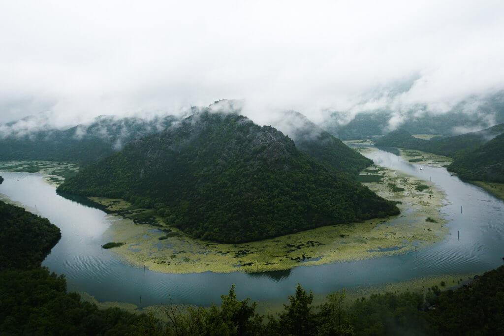 туман Скадарское озеро