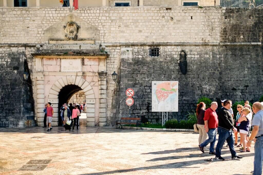 ворота в Котор Черногория