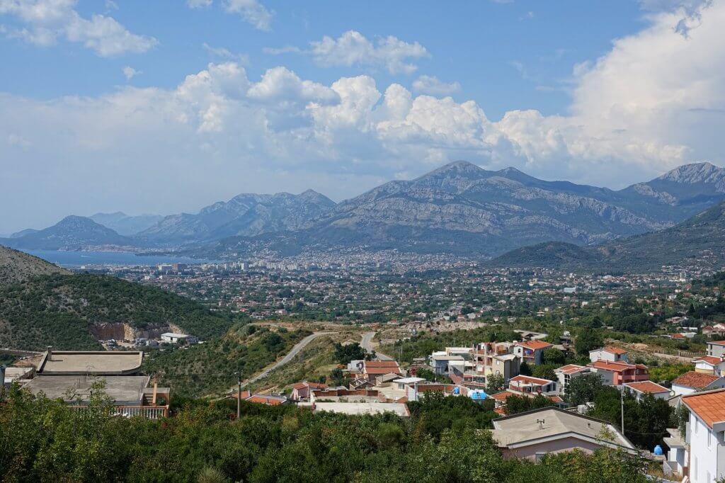 Бар — популярный курорт на юге Черногории