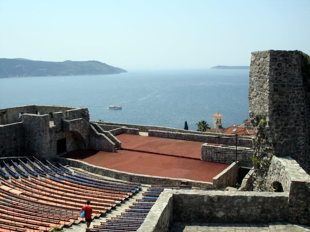 Крепость Канли-Кула в Херцег-Нови Черногория