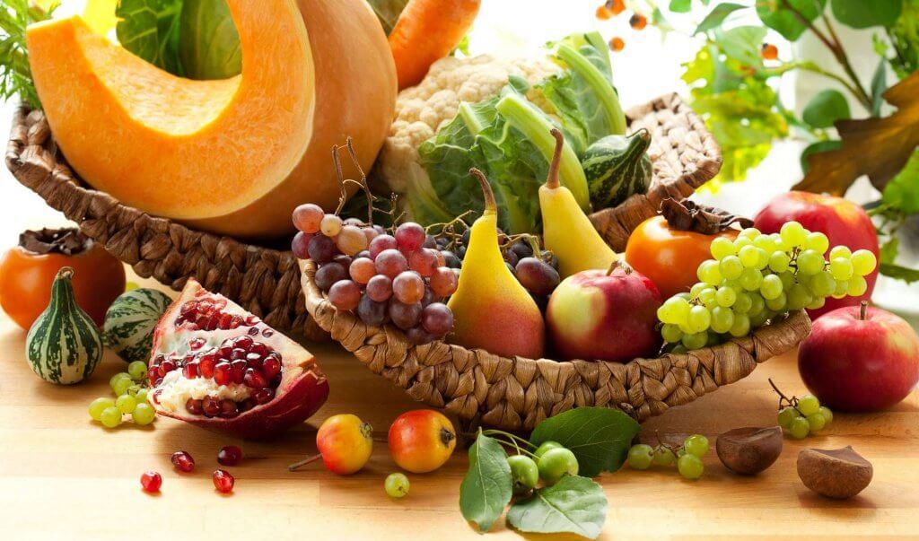 фрукты в Черногории в октябре