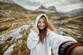 «Ну а теперь, мы все дружно идем в автобус»: интервью с тревел-фотографом и организатором туров Анастасией Колесниковой