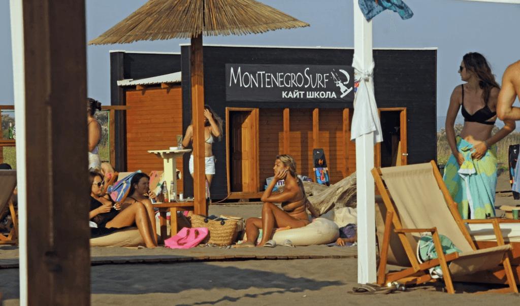 Великий пляж в Черногории