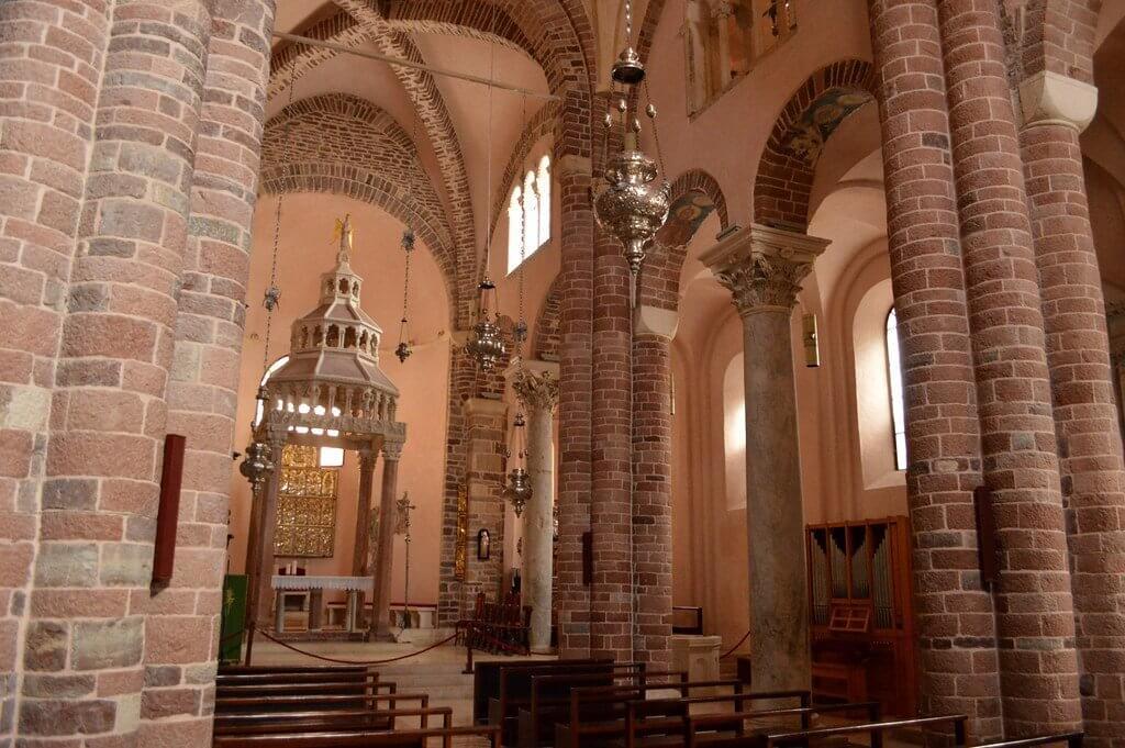 внутреннее убранство собора Святого Трифона