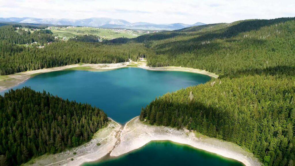 Черное озеро Думитор Черногоря