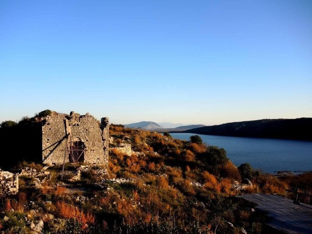 останки древних храмов Свач