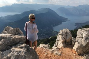 «Я была в Черногории семь раз и приеду в восьмой»: интервью с художницей Надей Шумовой