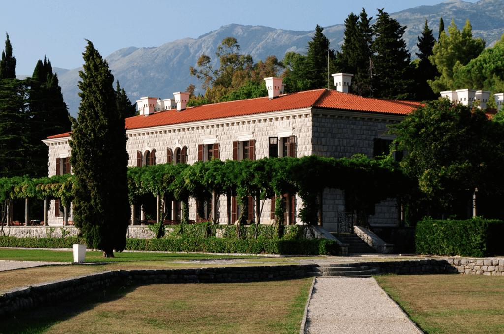 летняя резиденция Милочер