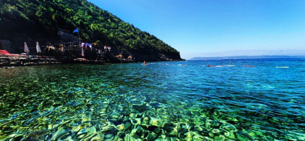 Пляж Добреч вода