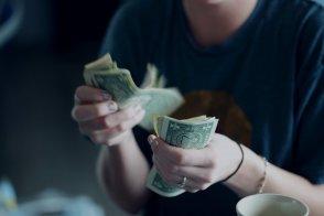 Сколько денег брать в Черногорию — разбираемся