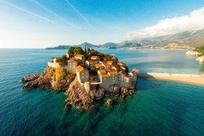 Свети Стефан - отдых для богатых и знаменитых и не только