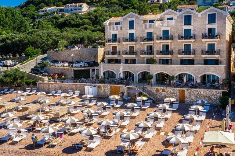Hotel California в Святи Стефан